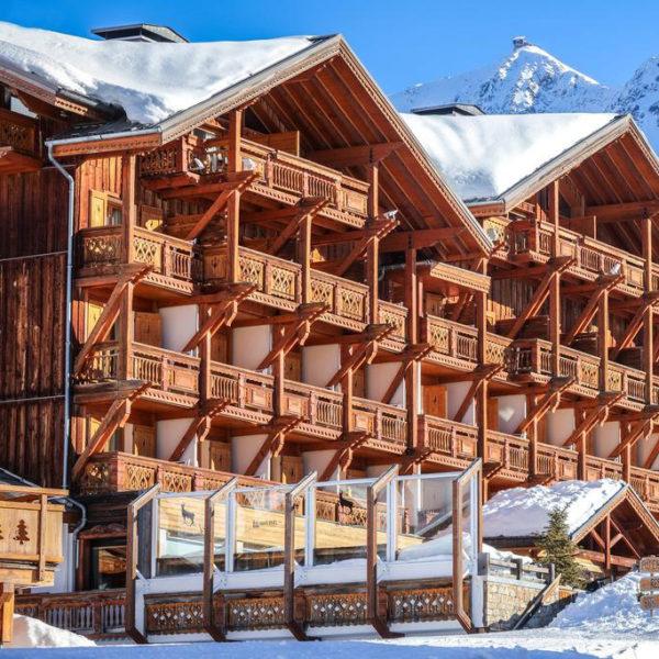 extérieur Piscine hotel chamois d'or alpe huez