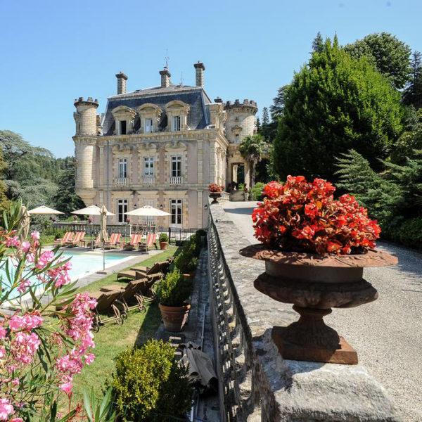 exterieur chateau hotel Clement