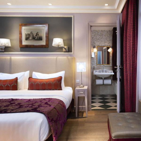grande chambre Hotel Spa Belle Juliette Paris.jpg