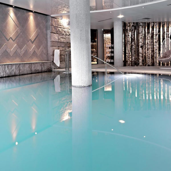 piscine HÔTEL SPA ALTAPURA À VAL-THORENS