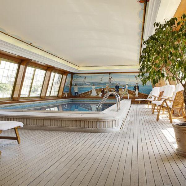 piscine hotel bristol paris