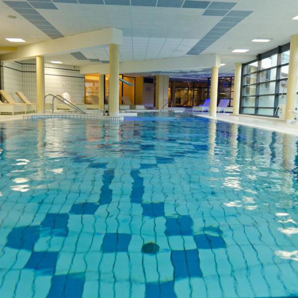 piscine hotel forges normandie
