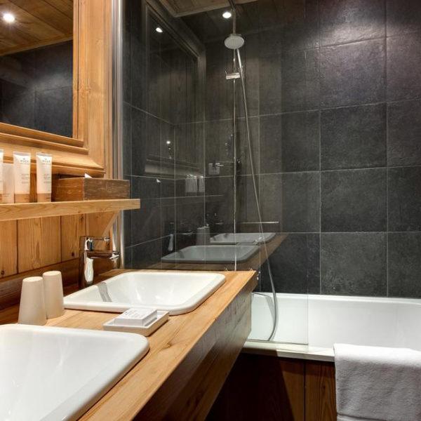 salle de bain hotel chamois d'or rhone alpes
