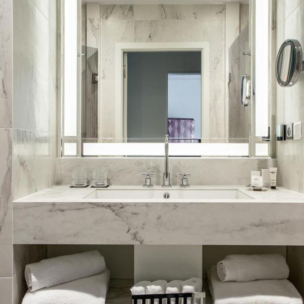 salle de bain hotel fauchon paris