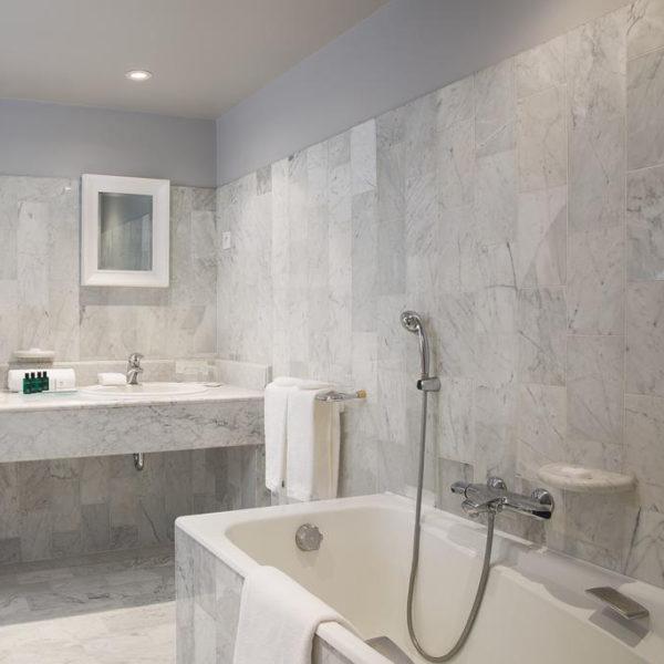salle de bain hotel ferme saint siméon normandie