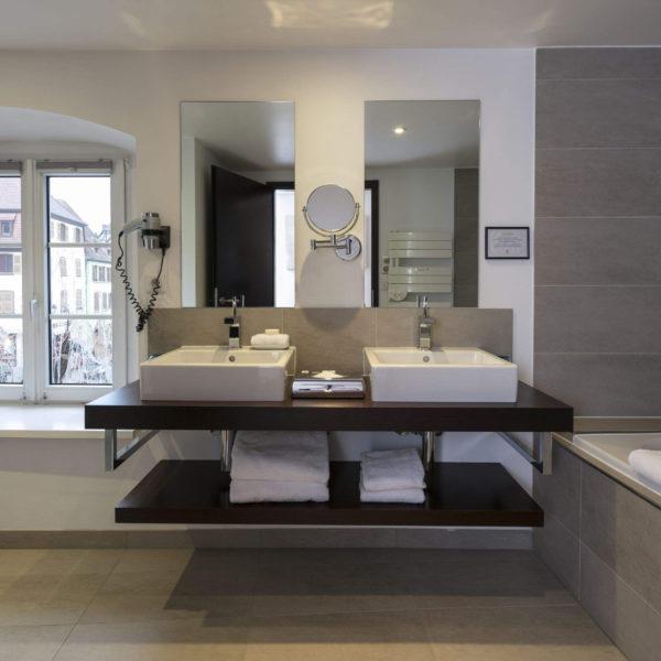 salle de bain hotel le chambard