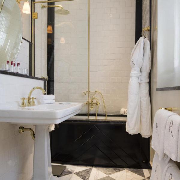 salle de bain relais christine