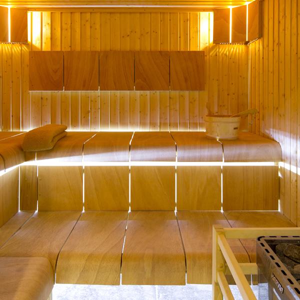 sauna hotel spa crychar