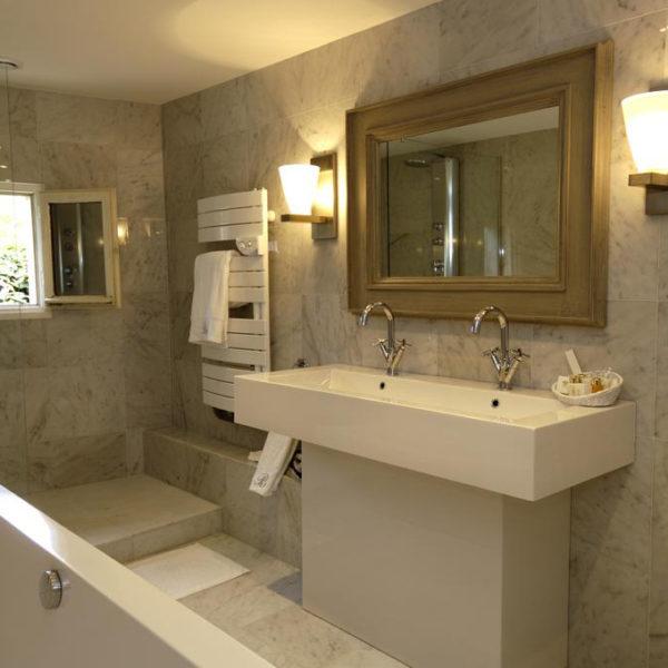 salle de bain hotel brittany spa